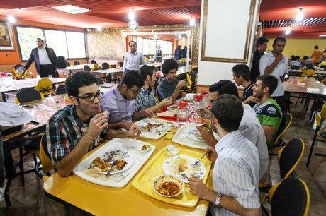تصوری که دانشجویان از رستوران های مکمل دارند ، دانشگاه فنی و حرفه ای یک سوم سایر دانشگاه ها بودجه دارد!