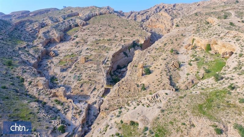 سامان دهی و بازسازی آثار تاریخی سیراف شروع شد