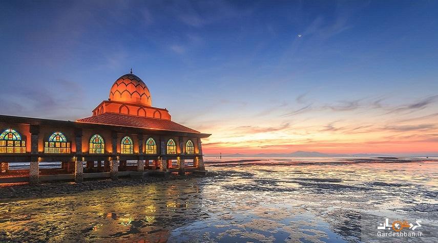 مسجد الحسین مالزی ؛مسجدی شناور روی آب