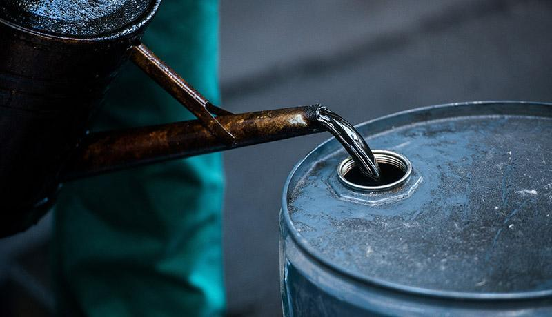 سقوط 3.7 درصدی قیمت نفت در بازارهای جهانی