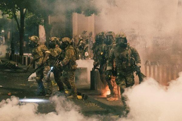 آمریکا توسل به یگان های شبه نظامی برای سرکوب معترضان را تائید کرد