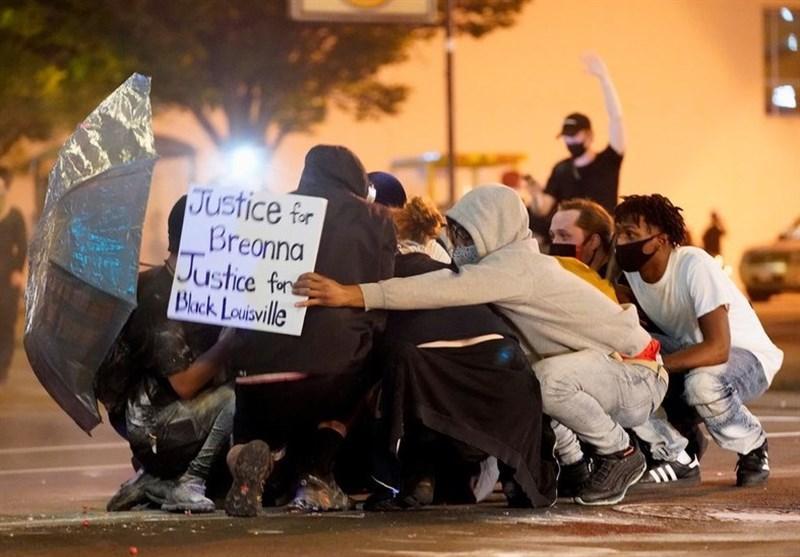 تظاهرات ضدبی عدالتی نشانه ورود آمریکا به دوران گذار است