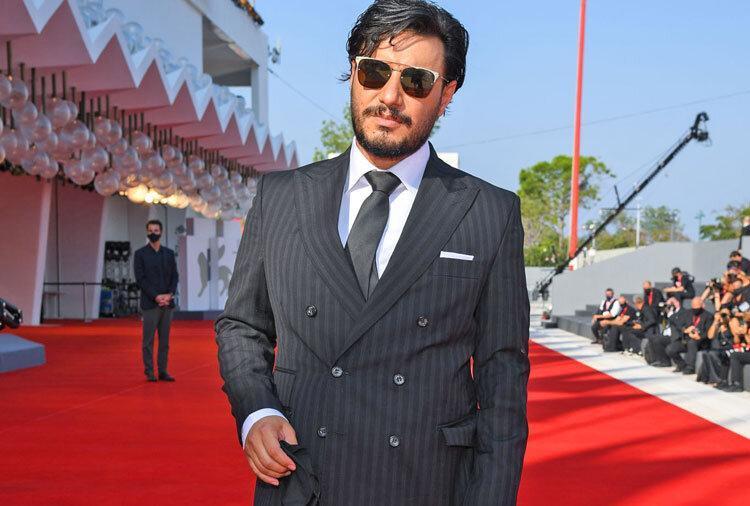 منتقد آمریکایی جواد عزتی را با کدام بازیگر هالیوودی مقایسه کرد؟