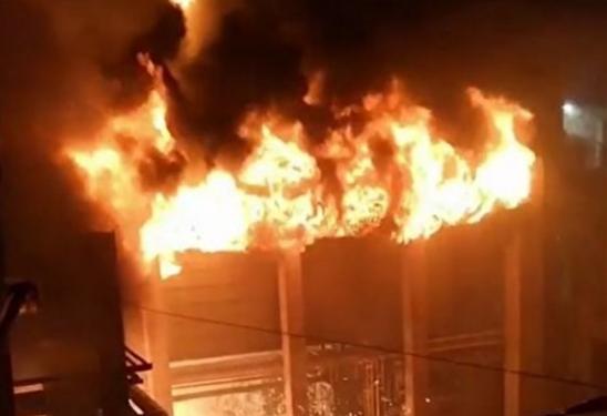 انفجار در خط لوله انتقال نفت، 3 نفر از کارکنان کشته شدند