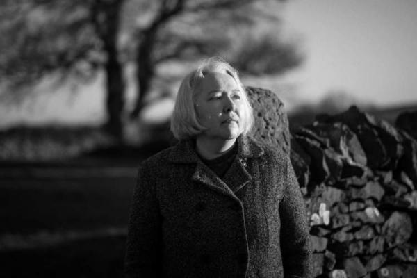 سوزانا کلارک، برنده جایزه ادبیات داستانی زنان: دل مشغولی هایتان را بنویسید