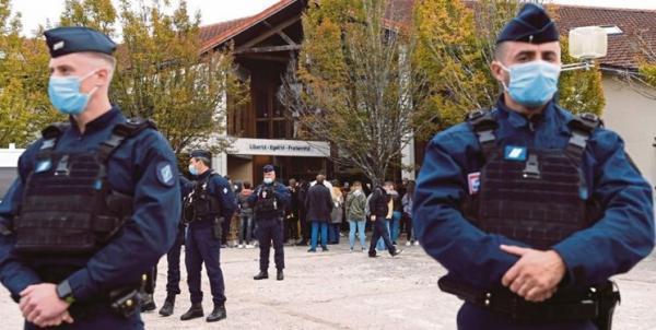 تور فرانسه: فرانسه به بهانه مقابله با افراط گرایی 6 مسجد دیگر را تعطیل می نماید